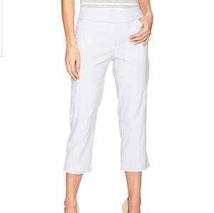 Pull on Pant Capri Flattering & Comfortable